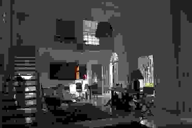 Casa Colonial Salas de jantar coloniais por Helô Marques Associados Colonial