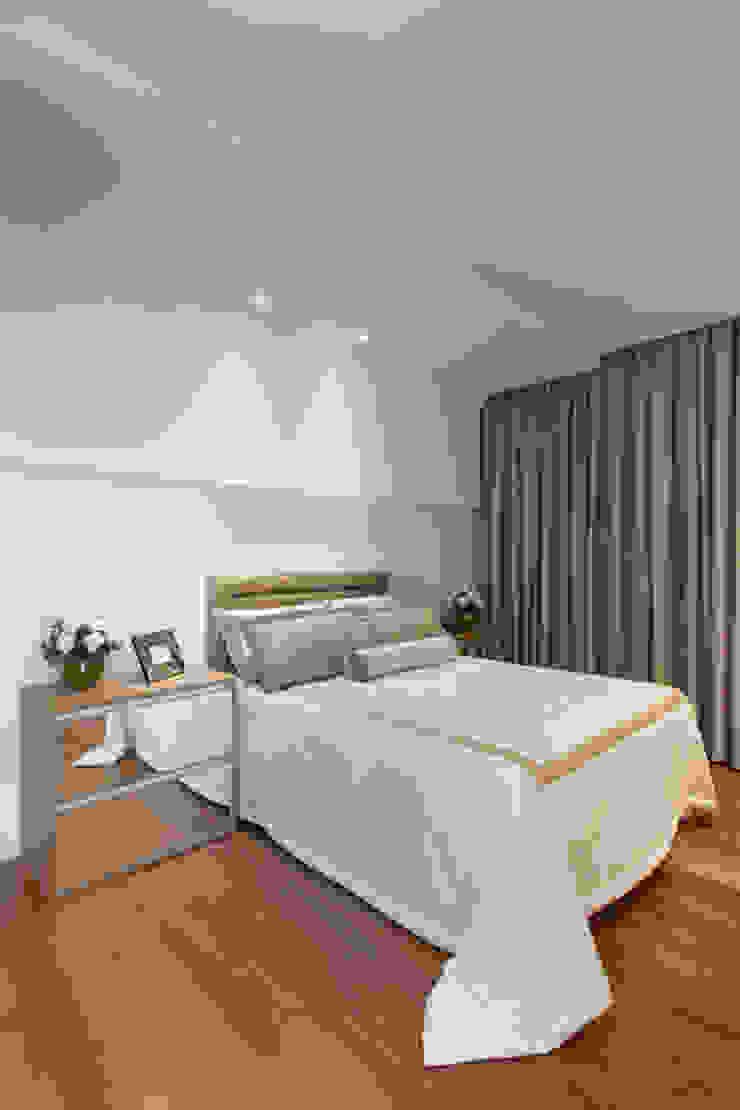 Casa Itu Quartos modernos por Designer de Interiores e Paisagista Iara Kílaris Moderno