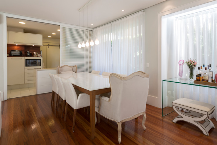Modern dining room by Boutique Arquitetura Modern