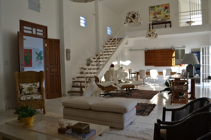 Casa Colonial Salas de estar clássicas por Helô Marques Associados Clássico