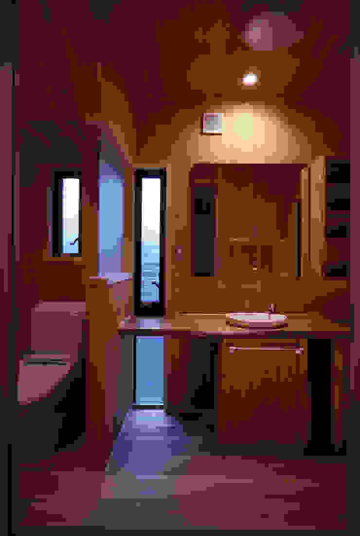 洗面・トイレ モダンスタイルの お風呂 の shp モダン