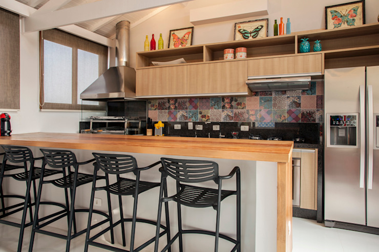 Biarari e Rodrigues Arquitetura e Interiores KitchenBench tops