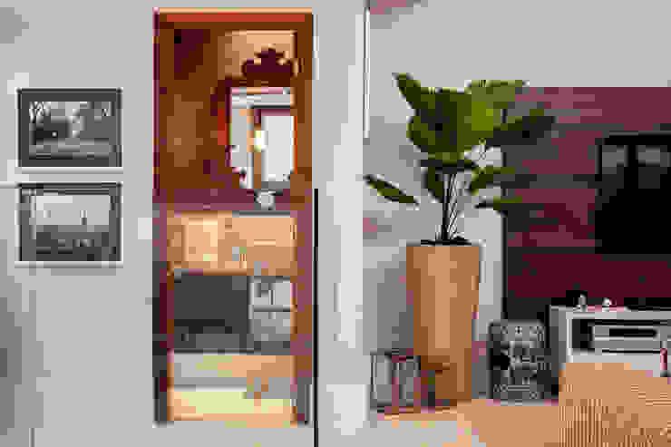 de Biarari e Rodrigues Arquitetura e Interiores Moderno