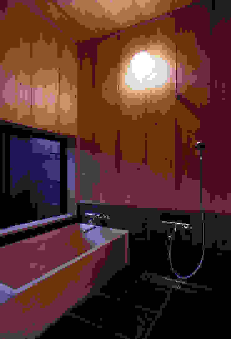 浴室 モダンスタイルの お風呂 の shp モダン