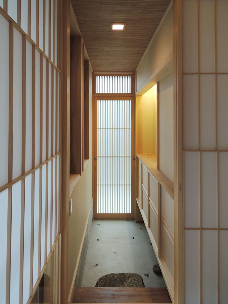 Modern Corridor, Hallway and Staircase by Love the Life Modern