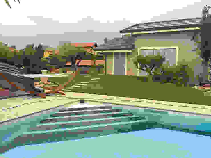 Edil One Bergamo srl Modern pool