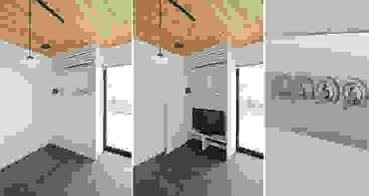 小田原 西湘 オーシャンビューの家: ミナトデザイン1級建築士事務所が手掛けた現代のです。,モダン 木材・プラスチック複合ボード