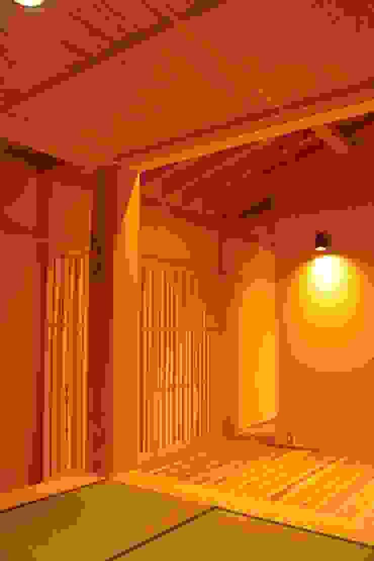 里山の麓の家 モダンな 家 の 一級建築士事務所 CAVOK Architects モダン