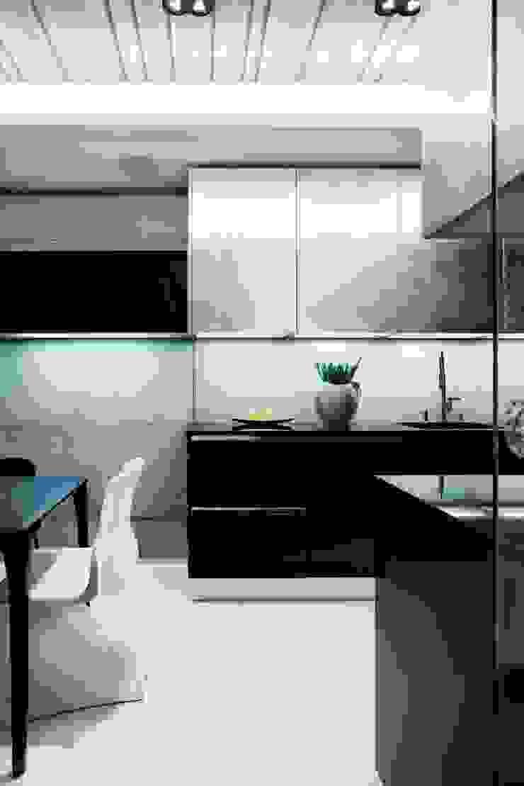 ART. – SPORT – RELAX Warszawa – mieszkanie 90 m2 Nowoczesna kuchnia od TG STUDIO Nowoczesny
