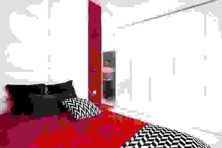 ART. – SPORT – RELAX Warszawa - mieszkanie 90 m2 Nowoczesna sypialnia od TG STUDIO Nowoczesny