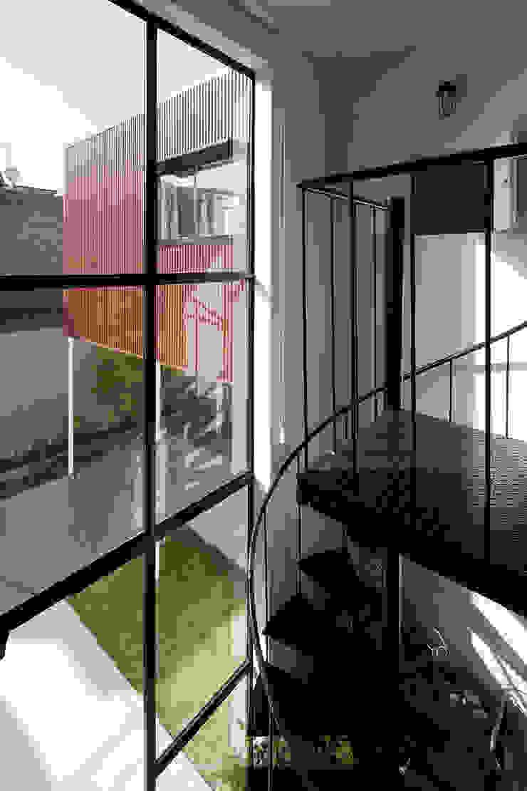 FLY オリジナルスタイルの 玄関&廊下&階段 の 株式会社CAPD オリジナル