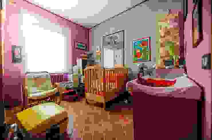 Growing up with brio Quarto infantil eclético por Studio Prospettiva Eclético