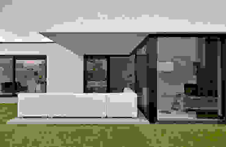 K&N 3:  Huizen door CKX architecten,