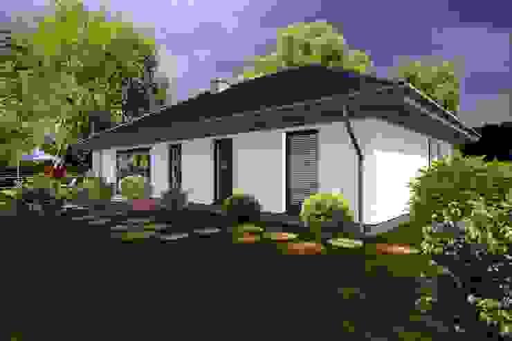 Classic style houses by ABC Pracownia Projektowa Bożena Nosiła - 1 Classic