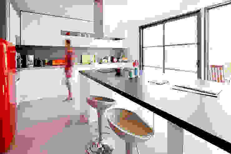 Dapur Modern Oleh Cendrine Deville Jacquot, Architecte DPLG, A²B2D Modern