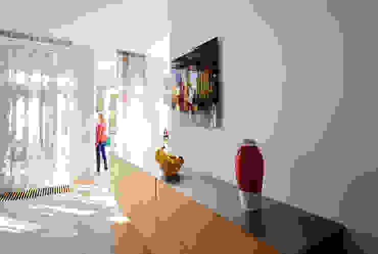 Eetkeuken, nieuwe situatie: modern  door Voorwinde Architecten, Modern