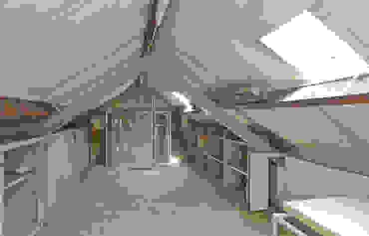 zolder op de garage oude situatie van Addition bv Industrieel