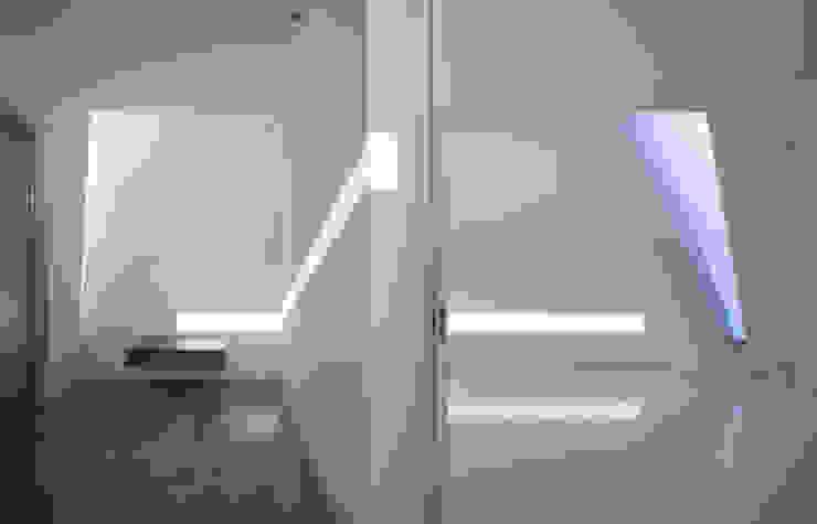 玄関・寝室 モダンスタイルの寝室 の 森裕建築設計事務所 / Mori Architect Office モダン