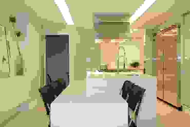 Cobertura Parque Areião Cozinhas modernas por Ana Paula e Sanderson Arquitetura Moderno