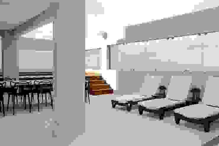 Cobertura Parque Areião Piscinas modernas por Ana Paula e Sanderson Arquitetura Moderno