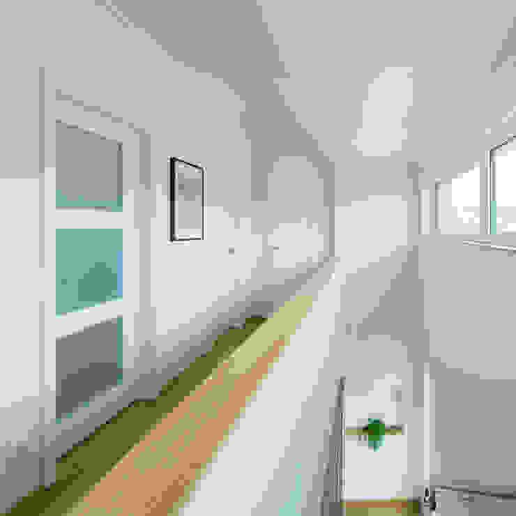 Corridor & hallway by herbertarchitekten Partnerschaft mbB, Modern