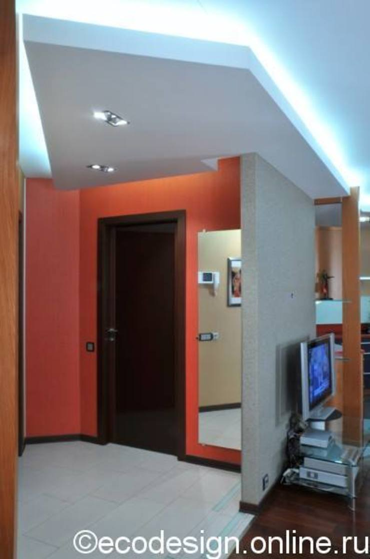 В ярких красках Коридор, прихожая и лестница в колониальном стиле от Ольга Макарова (Экодизайн) Колониальный