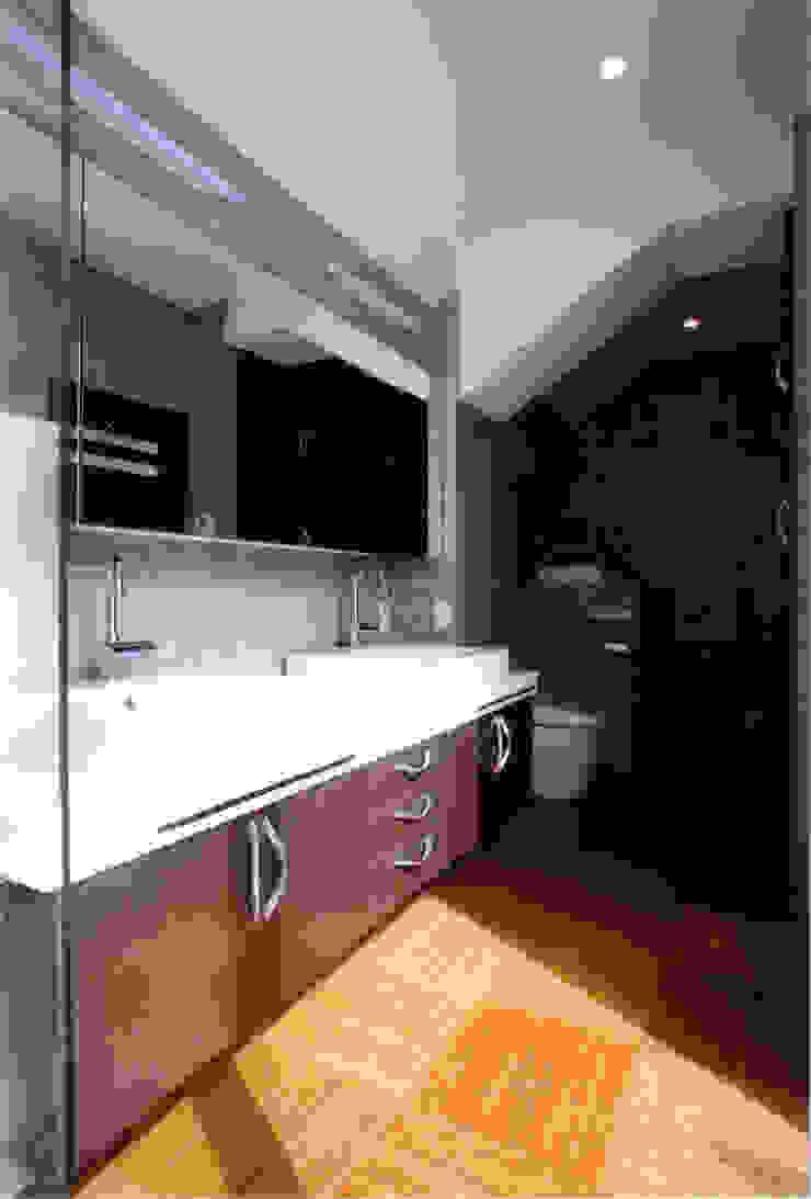 2Fパウダールーム モダンスタイルの お風呂 の 豊田空間デザイン室 一級建築士事務所 モダン