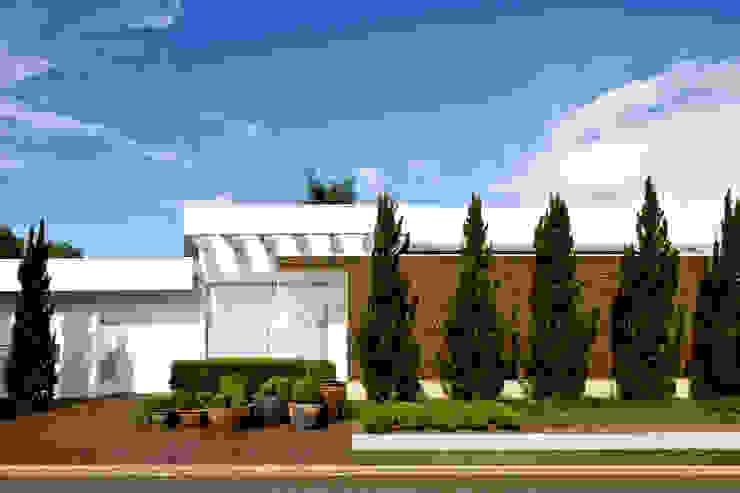 Casas de estilo  por Ana Paula e Sanderson Arquitetura,