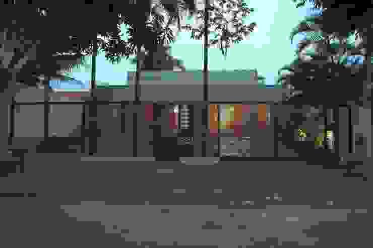 Escritório de Arquitetura Casas modernas por Ana Paula e Sanderson Arquitetura Moderno