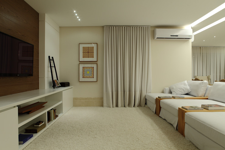 Apartamento Flamboyant Salas de estar modernas por Ana Paula e Sanderson Arquitetura Moderno