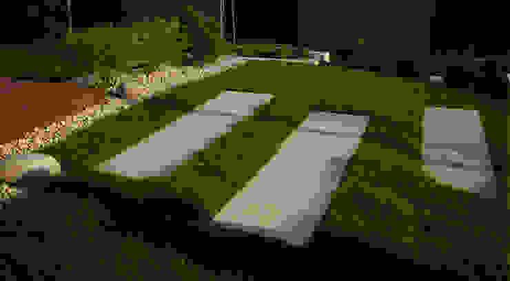 schody z betonowych białych płyt od Autorska Pracownia Architektury Krajobrazu Jardin Eklektyczny
