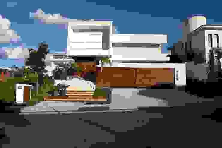Casa do Jardim Vertical Casas modernas por Ana Paula e Sanderson Arquitetura Moderno