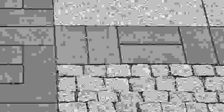 granitowe płyty , czarny klinkier i granitowa kostka od Autorska Pracownia Architektury Krajobrazu Jardin Eklektyczny