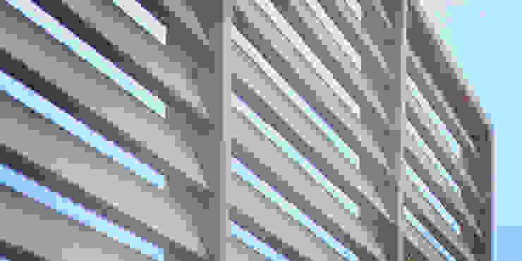 pergola pod pnącza z gotowych elementów w oryginalnym kolorze od Autorska Pracownia Architektury Krajobrazu Jardin Eklektyczny