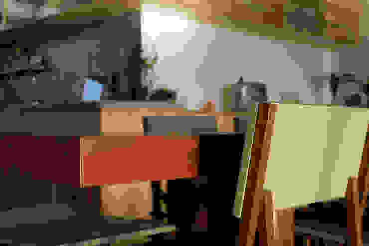 Ruta arquitetura e urbanismo Modern dining room