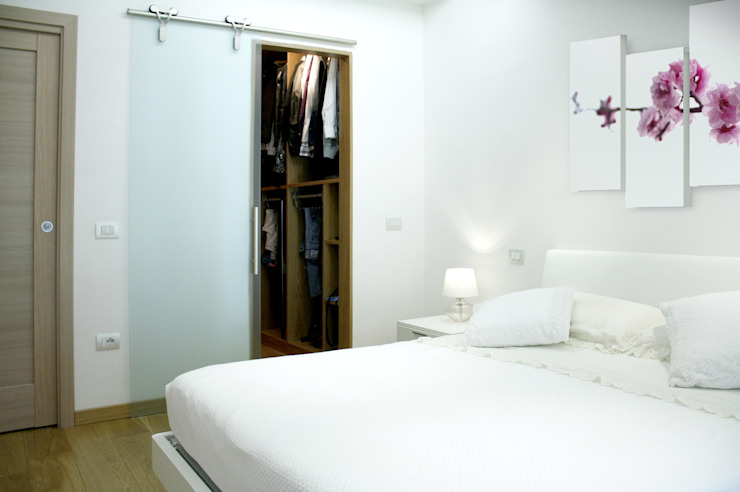 camera da lettop Camera da letto moderna di MedomStudio Moderno