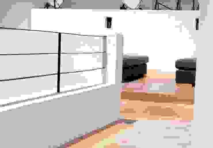 Riad Marrakech Balcon, Veranda & Terrasse modernes par Pauline Girardot Moderne