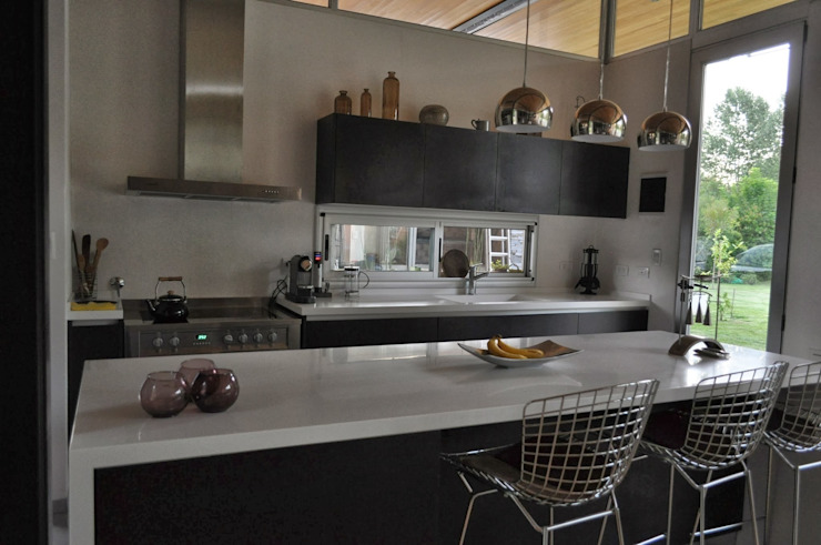 Kitchen by Baltera Arquitectura,