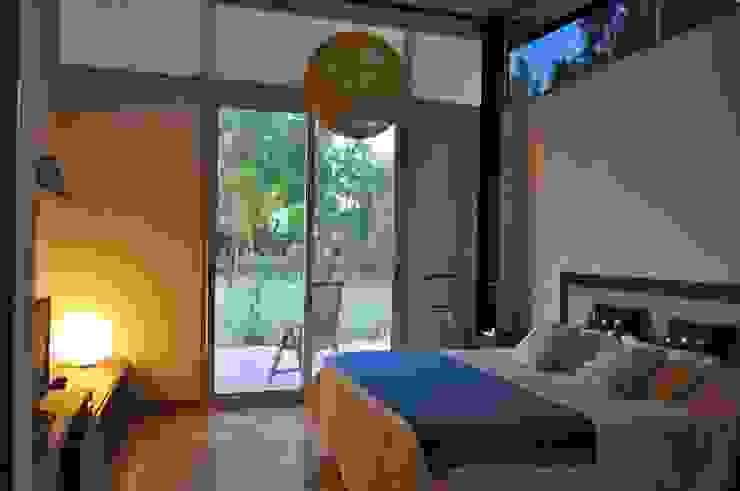 Camera da letto in stile classico di homify Classico