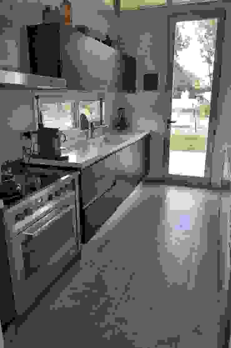 クラシックデザインの キッチン の Baltera Arquitectura クラシック