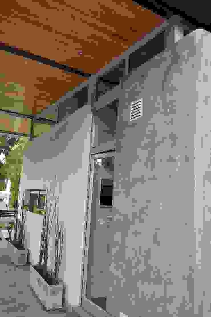クラシックデザインの テラス の Baltera Arquitectura クラシック