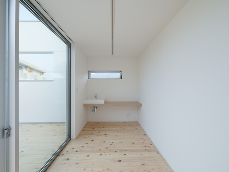 Modern study/office by 開建築設計事務所 Modern