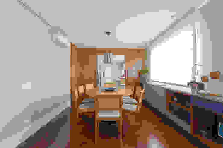 Apartamento Campo Belo 02 Salas de jantar modernas por Karen Pisacane Moderno