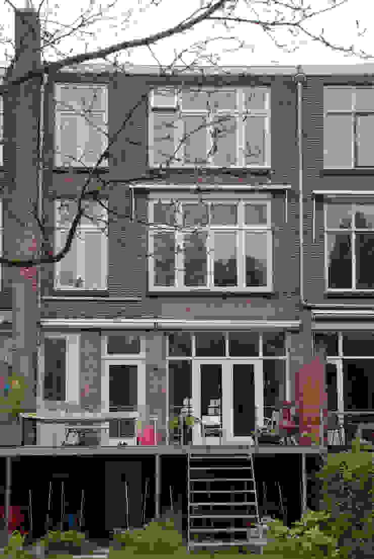 Achtergevel, nieuwe situatie: modern  door Voorwinde Architecten, Modern