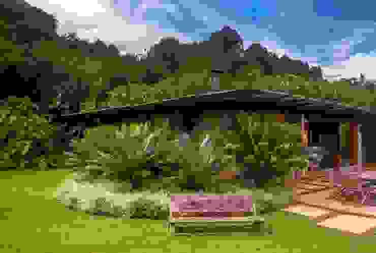 PAISAGISMO JM SERRA Jardins campestres por Landscape Paisagismo Campestre