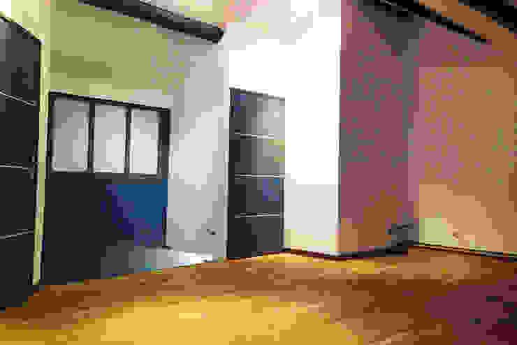 Walls & flooring oleh AD2