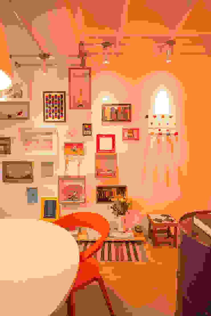 Bloom Arquitetura e Design Paredes e pisos modernos por Bloom Arquitetura e Design Moderno