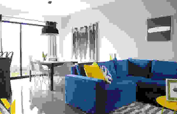 Casa Fioré Salones modernos de MM estudio interior Moderno