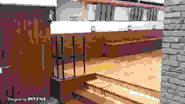 Балкон и терраса в стиле модерн от 인벤트 디자인 Модерн