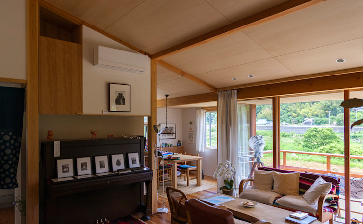 Modern Living Room by nameless Architects Modern
